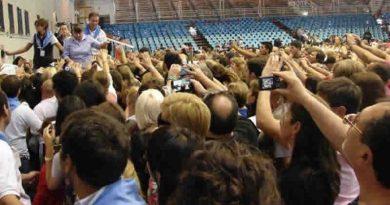Primera Conferencia de María Livia en el Estadio Delmi