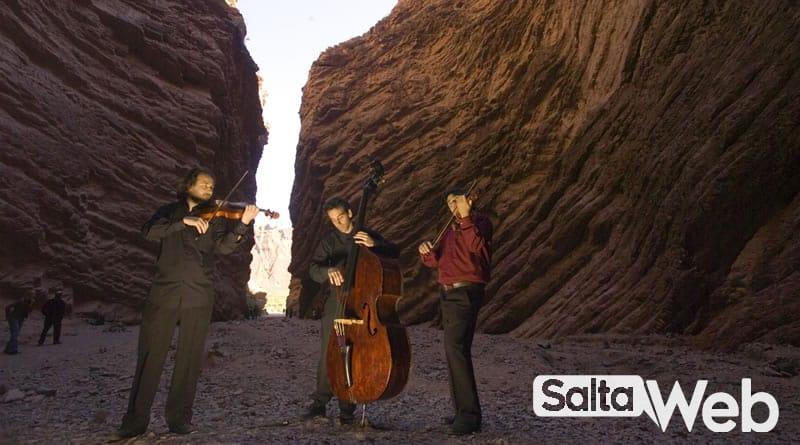 músicos en anfiteatro